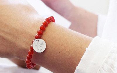 Le bracelet personnalisé pour les mariés