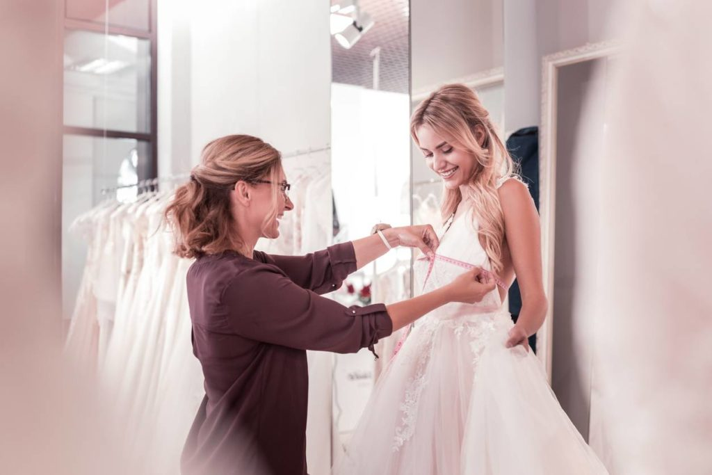 tenue de robe de mariée